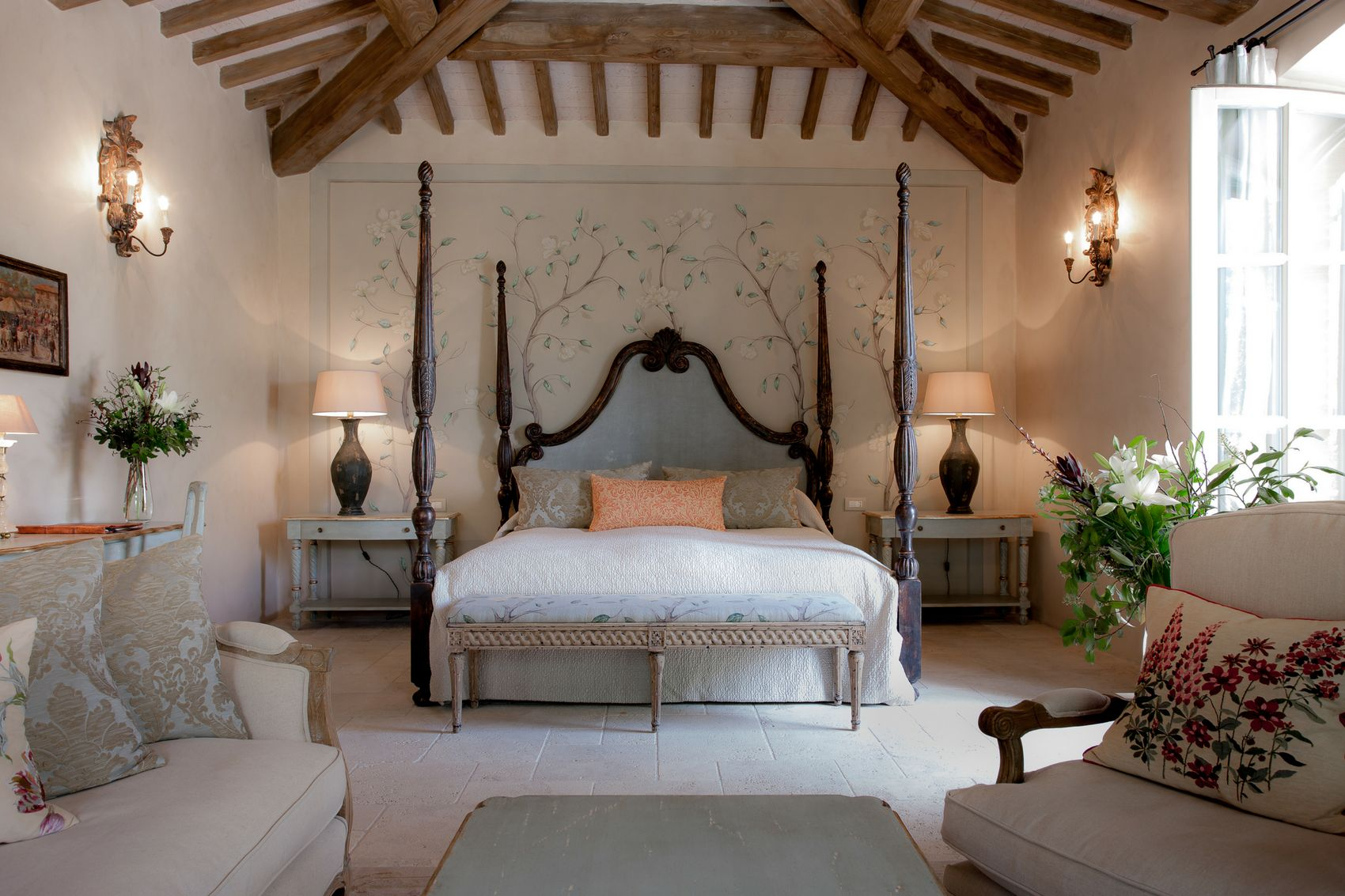 luxury suite in the tuscan countryside near siena