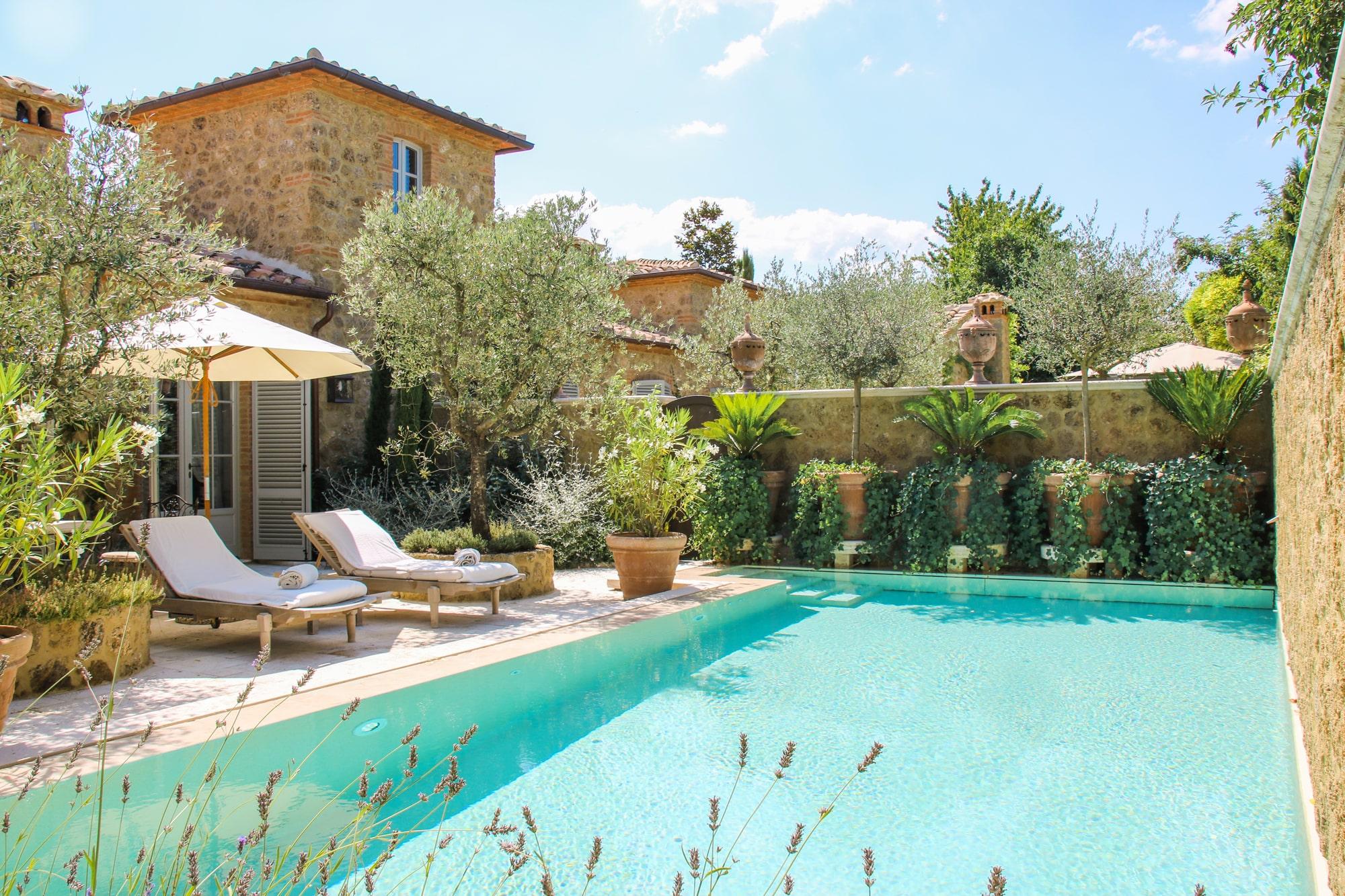 Borgo Santo Pietro pool suite